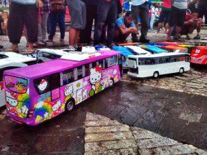 usaha kerajinan miniatur bus